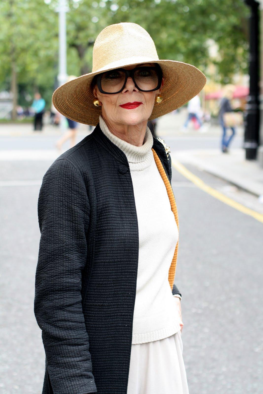 Стиль одежды для пожилой женщины