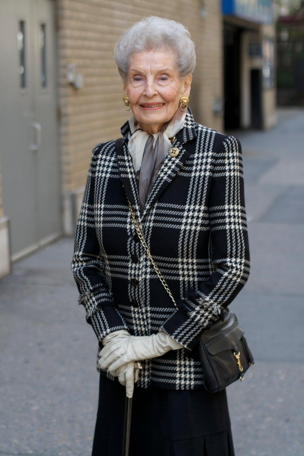 Old lady fashion show 14